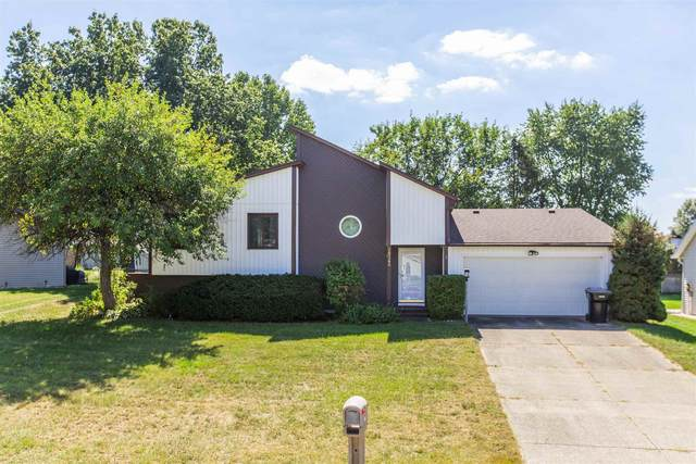 18260 Crownhill Drive, South Bend, IN 46637 (MLS #202140099) :: Parker Team