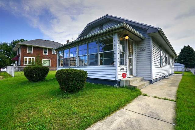 1010 Emerson Avenue, South Bend, IN 46615 (MLS #202140144) :: Aimee Ness Realty Group