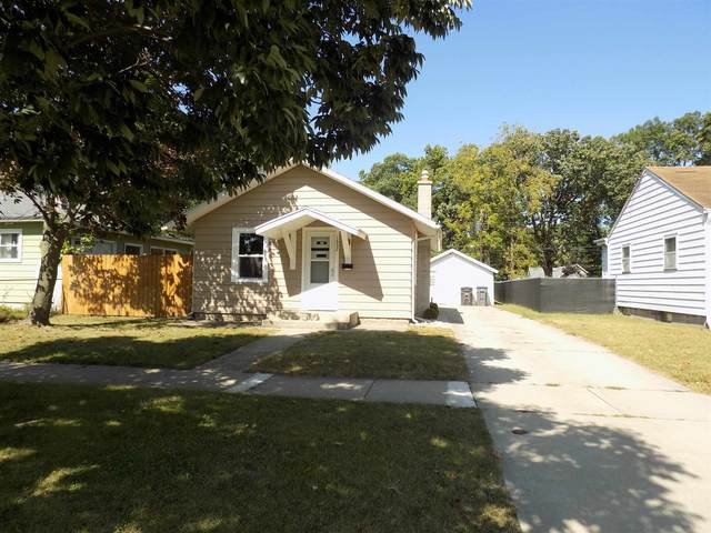 1652 Strong Avenue, Elkhart, IN 46514 (MLS #202140379) :: Parker Team