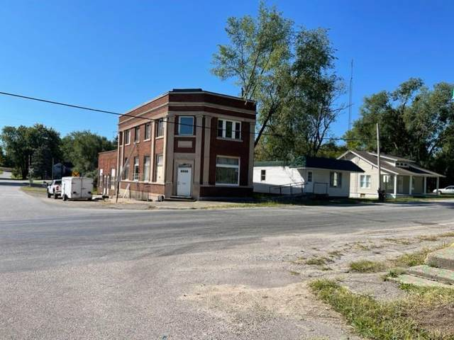120 E Main Street, Atwood, IN 46502 (MLS #202140504) :: Aimee Ness Realty Group