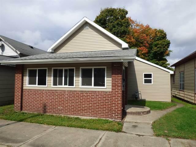 306 W Green Street, Frankfort, IN 46041 (MLS #202141821) :: The Romanski Group - Keller Williams Realty