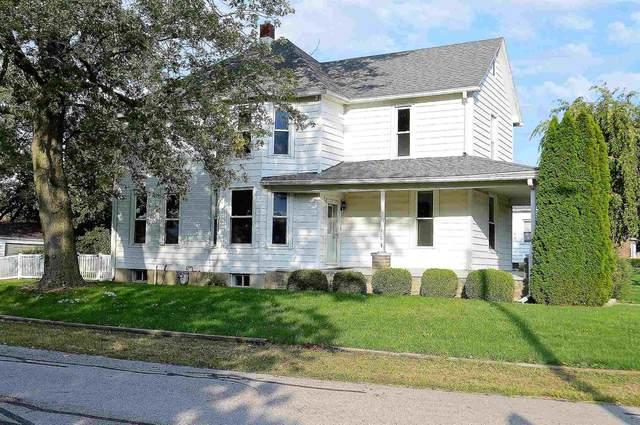 301 E Main Street, Fowler, IN 47944 (MLS #202141951) :: The Romanski Group - Keller Williams Realty