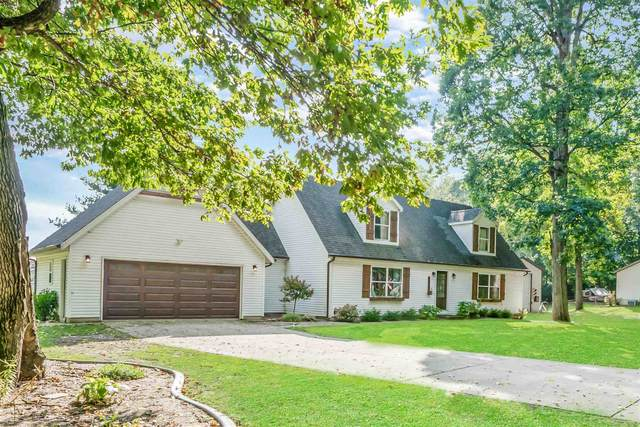 4687 E Woodland Acres Drive, Syracuse, IN 46567 (MLS #202142046) :: Parker Team