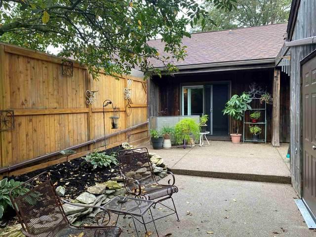 9488 S Pointe Lasalles Drive #76, Bloomington, IN 47401 (MLS #202142097) :: JM Realty Associates, Inc.
