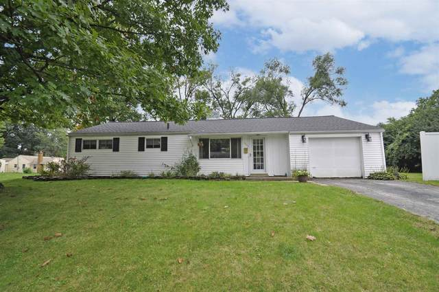 2803 Southeast Drive, South Bend, IN 46614 (MLS #202142116) :: Parker Team