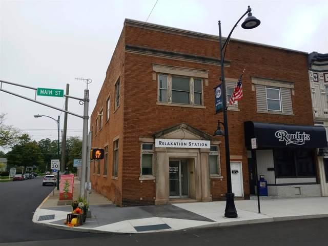 101 N Main Street, Kendallville, IN 46755 (MLS #202143108) :: JM Realty Associates, Inc.
