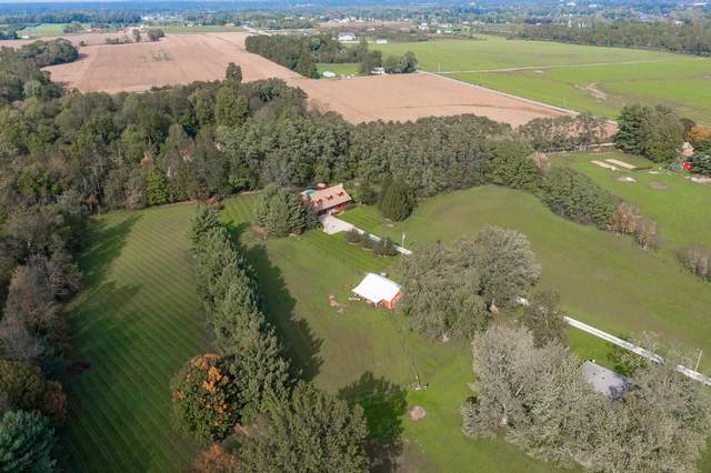 20111 County Rd 40, Goshen, IN 46526 (MLS #202143110) :: Aimee Ness Realty Group
