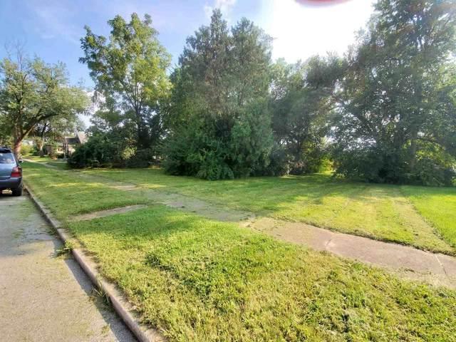 2514 Raymond Street, Fort Wayne, IN 46803 (MLS #202143124) :: TEAM Tamara