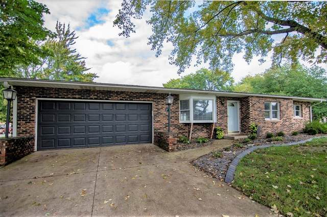 1915 Mayfield Drive, Goshen, IN 46526 (MLS #202143616) :: Aimee Ness Realty Group