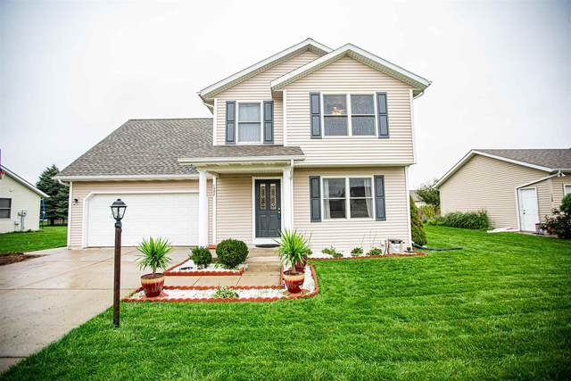 1302 Crimson Leaf Drive, Goshen, IN 46526 (MLS #202143674) :: Aimee Ness Realty Group