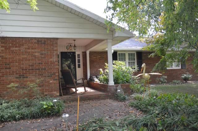 5600 Byerson Drive, Newburgh, IN 47630 (MLS #202143733) :: The Hill Team