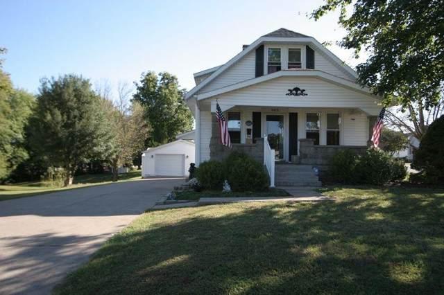 903 E 15th Street, Jasper, IN 47546 (MLS #202143976) :: The Hill Team