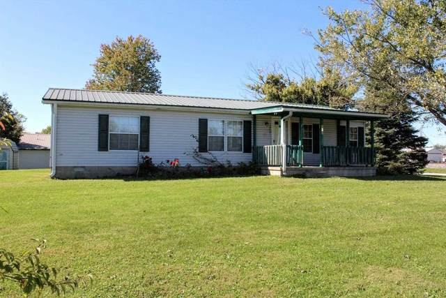 303 W Mississippi Ave, Mitchell, IN 47446 (MLS #202144002) :: The Hill Team
