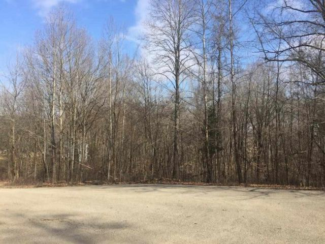 341 The Woods, Bedford, IN 47421 (MLS #201640375) :: The ORR Home Selling Team