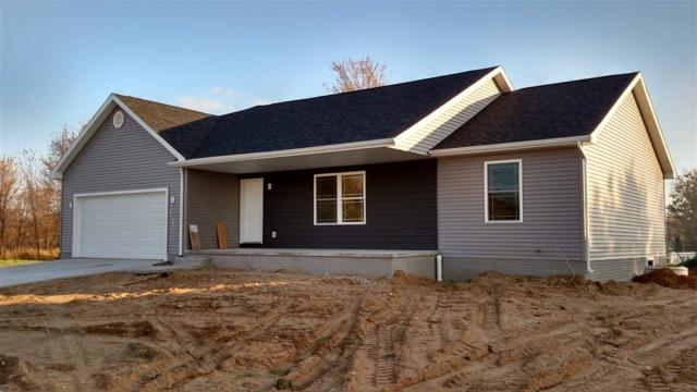 1365 E Yorkshire Drive, Shipshewana, IN 46565 (MLS #201745207) :: Parker Team