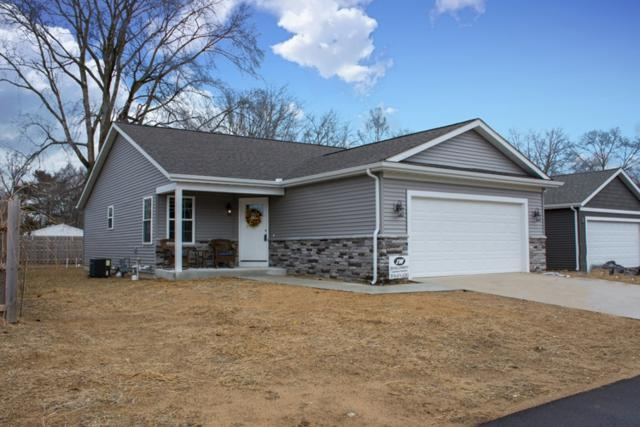 5424 Bay Char Court, Osceola, IN 46561 (MLS #201904027) :: Parker Team