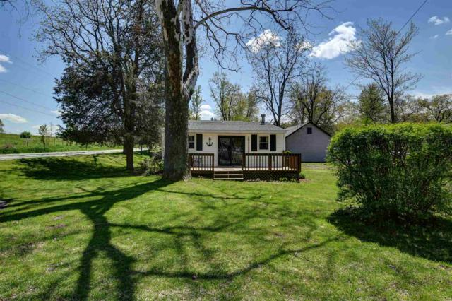 5490 E 610 S, Wolcottville, IN 46795 (MLS #201919240) :: Parker Team