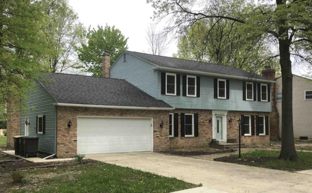 8121 Roanoke Drive, Fort Wayne, IN 46835 (MLS #201920820) :: Parker Team