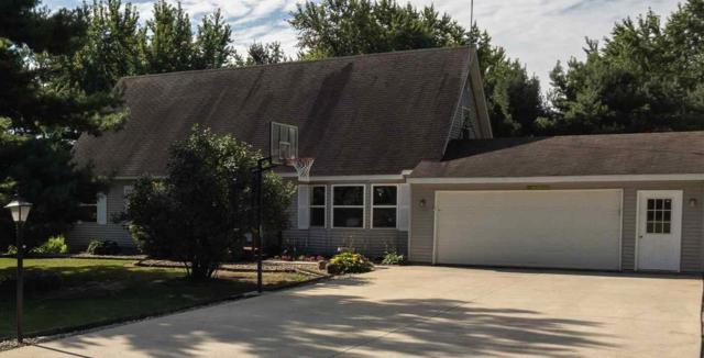 4727 E Woodland Acres Drive, Syracuse, IN 46567 (MLS #201934687) :: TEAM Tamara