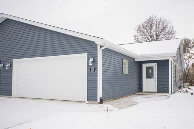 216 E Ellsworth Street, Columbia City, IN 46725 (MLS #201949563) :: Parker Team