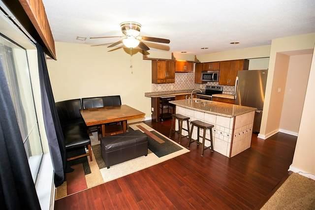9451 S Pointe Lasalles Drive, Bloomington, IN 47401 (MLS #202006521) :: The ORR Home Selling Team