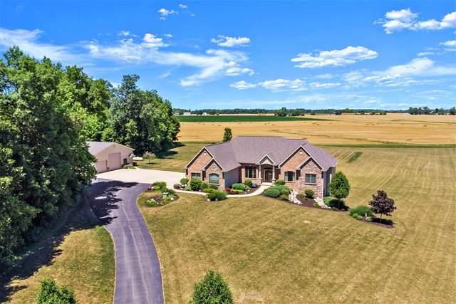 2148 E Saddle Creek Drive, Roanoke, IN 46783 (MLS #202029203) :: TEAM Tamara