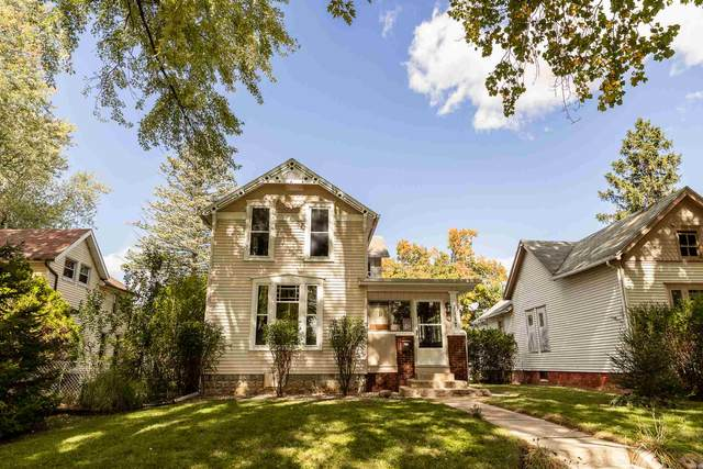 1117 Elmwood Avenue, Fort Wayne, IN 46805 (MLS #202039709) :: Parker Team