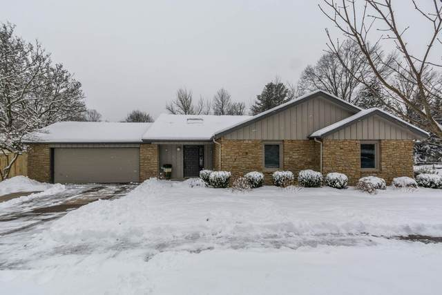 2550 E Round Hill Lane, Bloomington, IN 47401 (MLS #202104290) :: Aimee Ness Realty Group