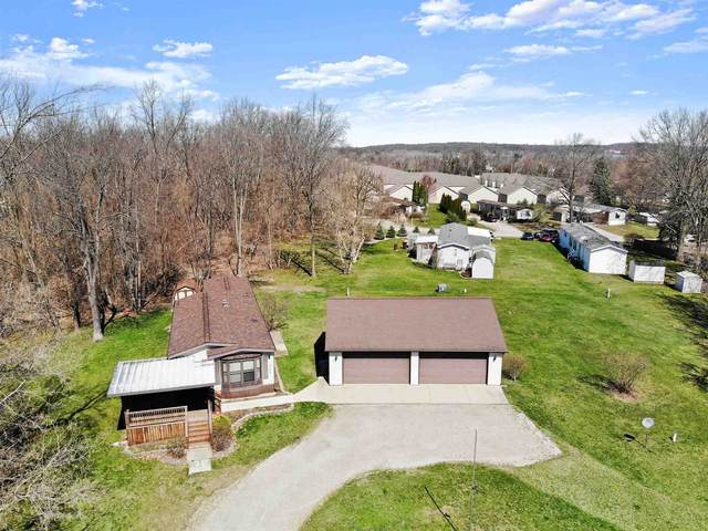 2365 W Orland Road, Angola, IN 46703 (MLS #202111355) :: RE/MAX Legacy