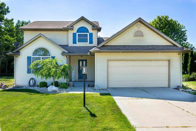 53681 Woodvale Drive, Elkhart, IN 46514 (MLS #202123180) :: Aimee Ness Realty Group