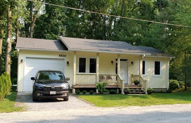 6830 E Palmers Drive, Monticello, IN 47960 (MLS #202125218) :: The Romanski Group - Keller Williams Realty