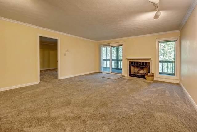 1863 E Eagle Bay Drive, Bloomington, IN 47401 (MLS #202138510) :: The Harris Jarboe Group | Keller Williams Capital Realty