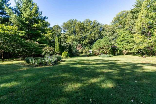 3128 E Moores Pike, Bloomington, IN 47401 (MLS #202140532) :: Parker Team