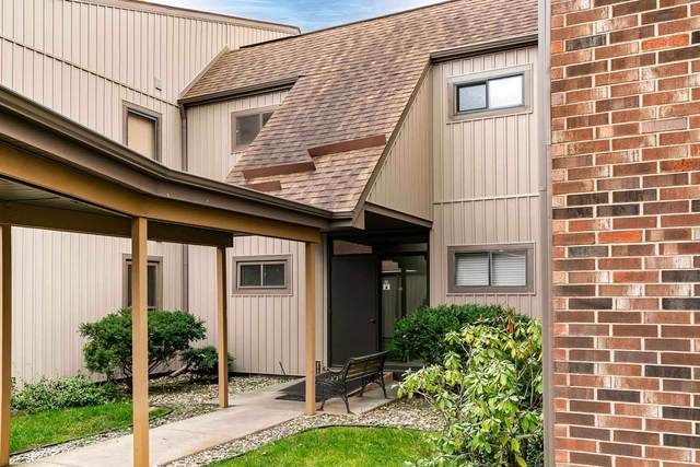 1926 Abbey Road A, South Bend, IN 46637 (MLS #202049275) :: Aimee Ness Realty Group