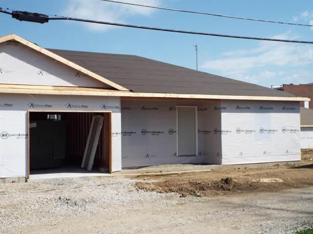207 W Locust Street, Fort Branch, IN 47648 (MLS #202112496) :: Parker Team