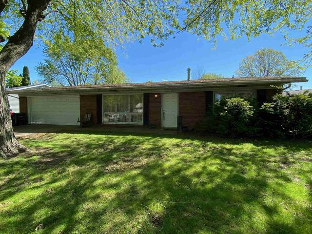 1212 Belvedere Drive, Kokomo, IN 46902 (MLS #202116887) :: The Romanski Group - Keller Williams Realty