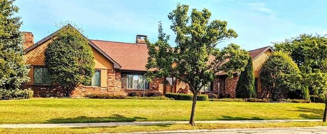 108 Rochester Court, Decatur, IN 46733 (MLS #202136460) :: TEAM Tamara