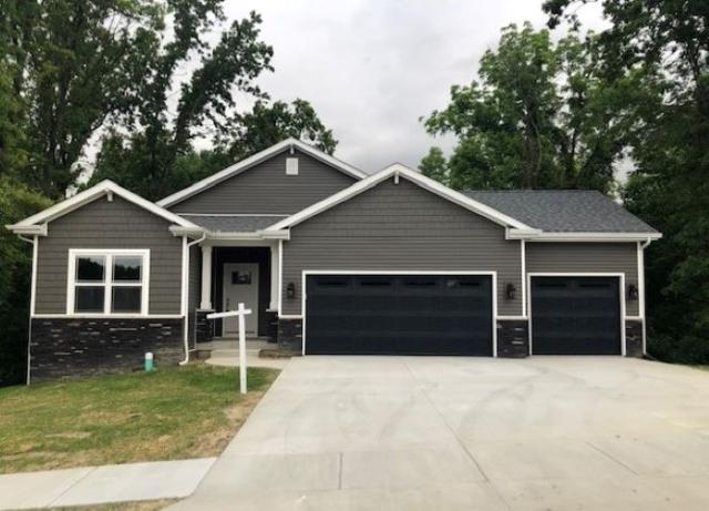 6283 Munsee Drive, West Lafayette, IN 47906 (MLS #201904326) :: The Carole King Team