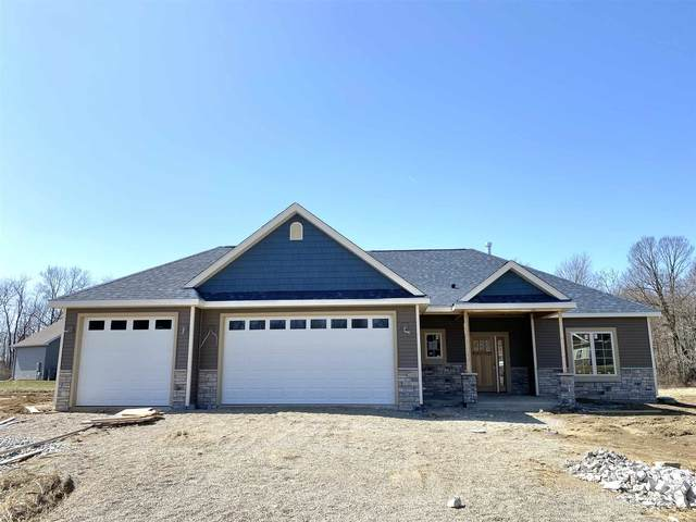 215 Mockingbird Lane, Warsaw, IN 46580 (MLS #202048970) :: The Dauby Team