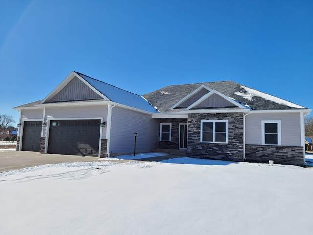 180 E Barrington Place, Warsaw, IN 46582 (MLS #202100986) :: Aimee Ness Realty Group