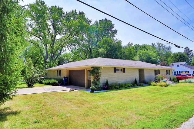 11991 W Pirates Roost Road, Monticello, IN 47960 (MLS #202136093) :: The Romanski Group - Keller Williams Realty