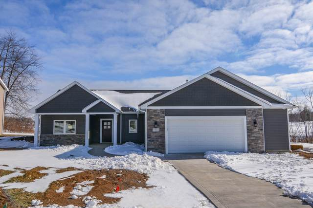 175 Chickadee Lane, Warsaw, IN 46580 (MLS #202037505) :: Aimee Ness Realty Group
