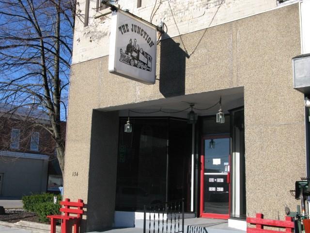 136 S Broadway, Butler, IN 46721 (MLS #201610720) :: Parker Team