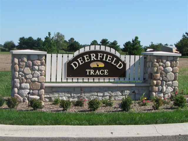 12550 W Deerfield Trace, Yorktown, IN 47396 (MLS #201801719) :: The ORR Home Selling Team