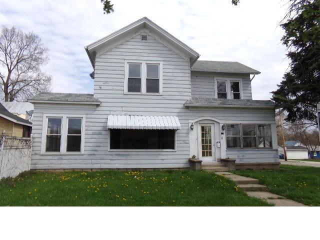 417 E Maumee St, Angola, IN 46703 (MLS #201817860) :: The ORR Home Selling Team