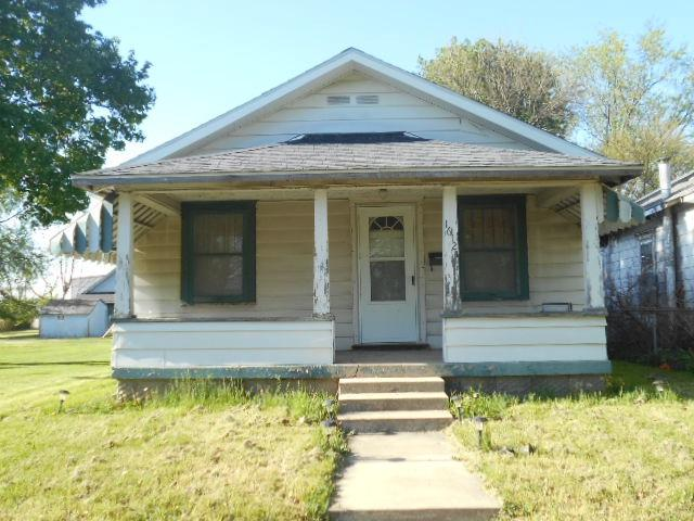 1612 W Marion Avenue, Marion, IN 46952 (MLS #201818867) :: The Romanski Group - Keller Williams Realty