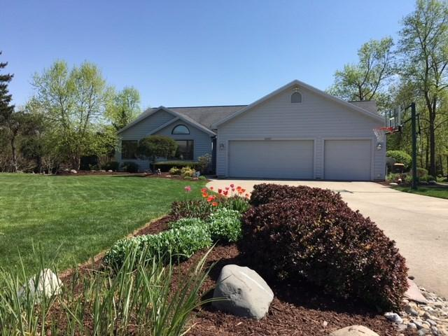 10017 Schuyler Court, Fort Wayne, IN 46804 (MLS #201820946) :: TEAM Tamara
