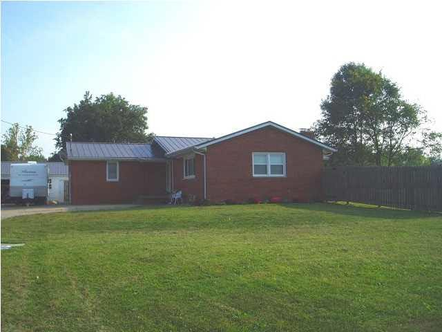 2377 E State Road 62, Boonville, IN 47601 (MLS #201821067) :: The Dauby Team