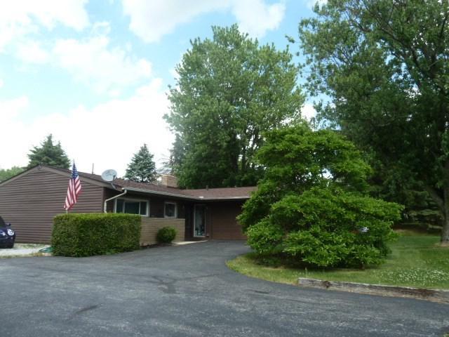 1610 W Chapel Pike, Marion, IN 46952 (MLS #201825480) :: The Romanski Group - Keller Williams Realty