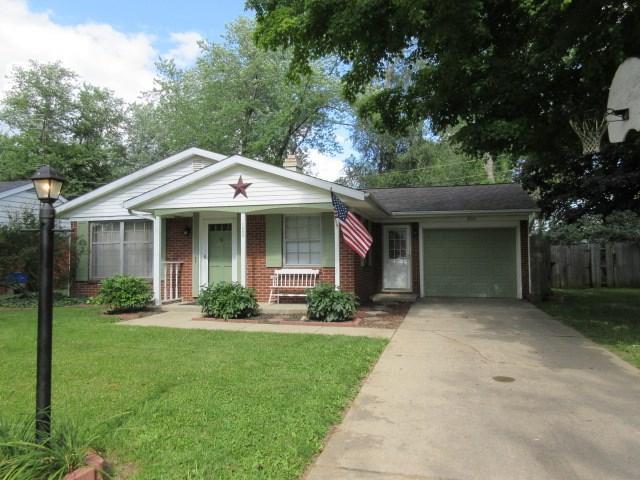 1800 S York Rd, Yorktown, IN 47396 (MLS #201834572) :: The ORR Home Selling Team